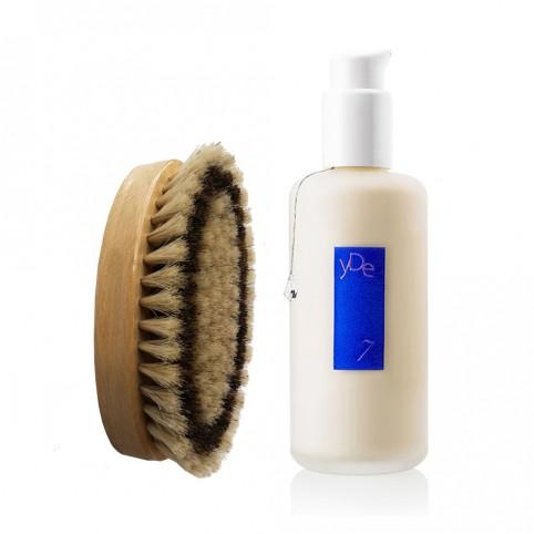 Les set soin parfumé pour le corps : brosse + le baume yDe7