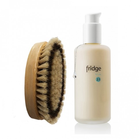 Fridge Le set : la brosse dure et la crème pour le corps à la mélisse